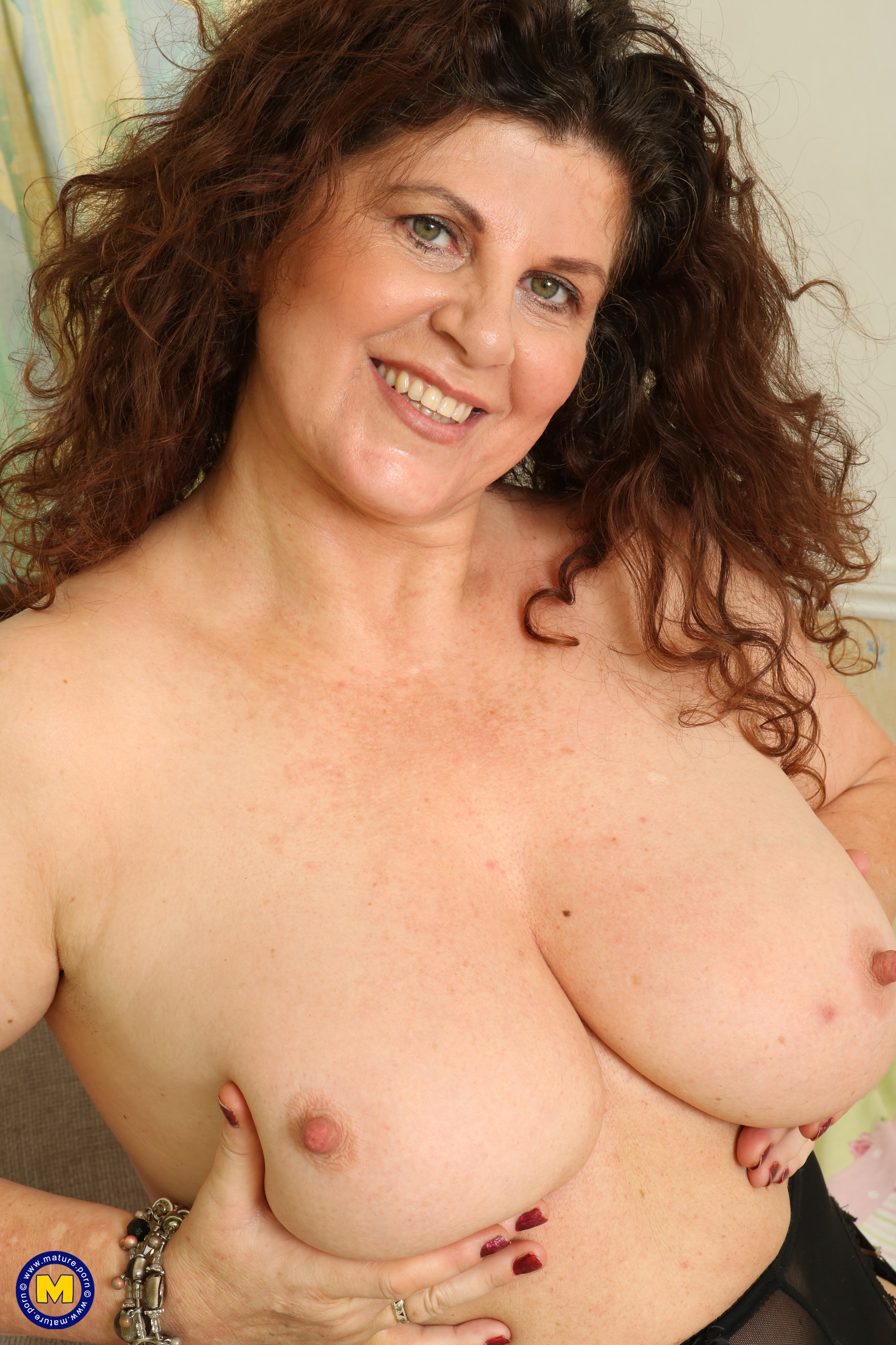 Curvaceous giant breasted Brit housewife finger-tickling herself