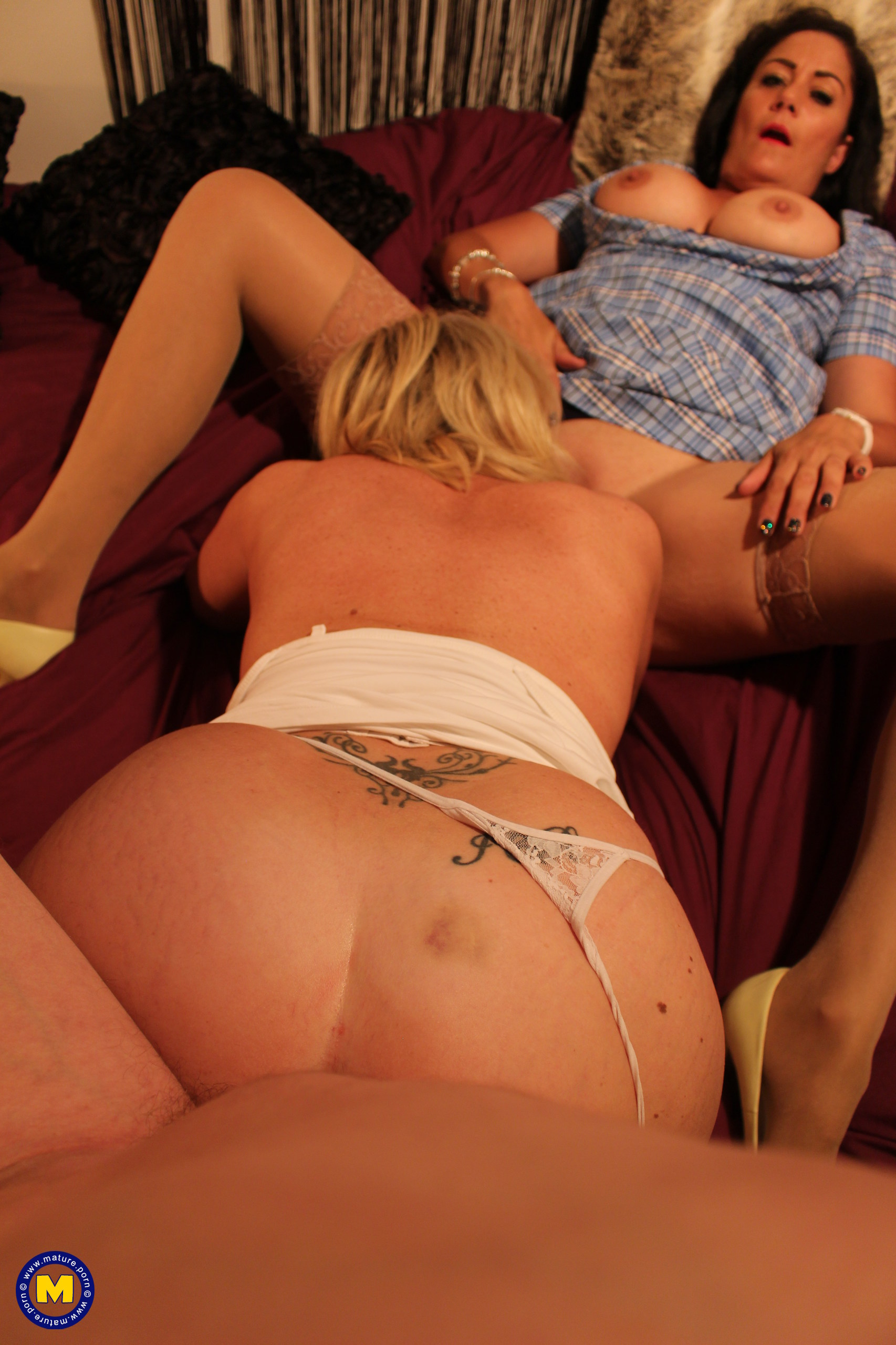 2 Brit bi-curious housewives share one spunk-pump